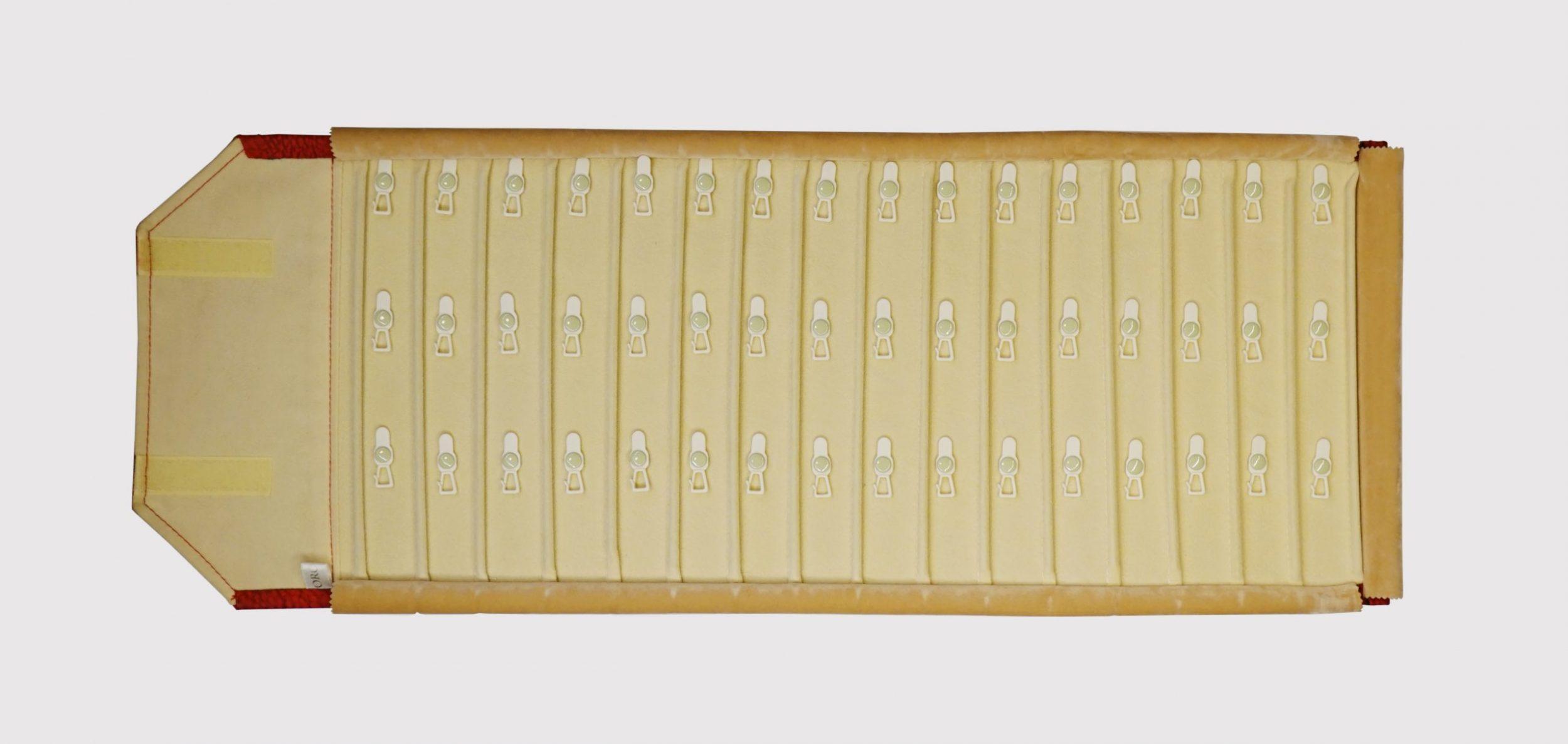 BCR 48 --τετραγωνάκι 3,5 cm x 4 cm--